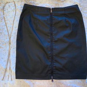 🔥 Zip Back Pencil Skirt 🔥